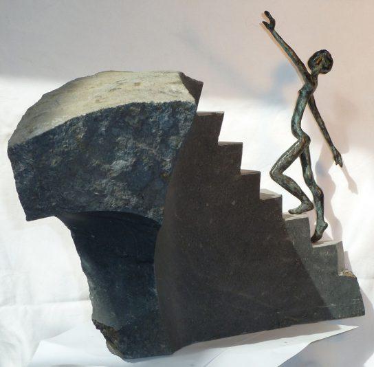 La cima, 2012 / 37 x 22 x 50 cm / Bronce y Basalto / Ana Luisa Benítez y Manuel Cyphelly