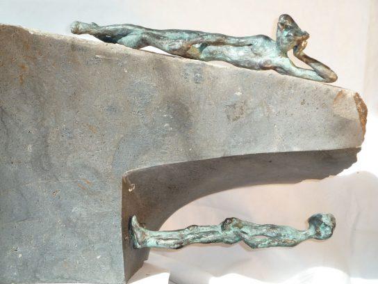 La vida y la muerte, 2012 / 62 x 34 x 29 cm / Bronce y Basalto / Ana Luisa Benítez y Manuel Cyphelly