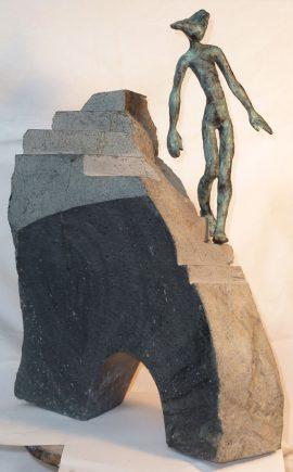 Sobre el puente, 2012 / 33 x 16 x 44 cm / Bronce y Basalto / Ana Luisa Benítez y Manuel Cyphelly