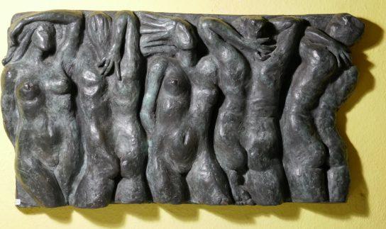 Relieve en bronce de 5 figuras de 28x53 cm.