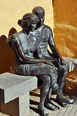 Agüimes. Los enamorados, 1999 / Bronce, Tamaño natural