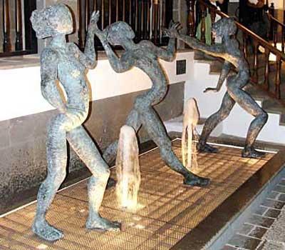 San Matéo. Tres bailarinas, 2010 / Bronce