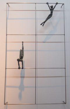 Acróbatas X. 2016. Estructura de acero. figuras de bronce 17 y 20 cm