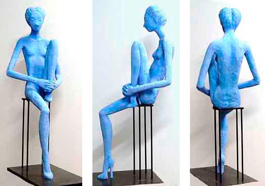Paula, 2011 / 112 cm / Cemento especial pintado con pigmento azul