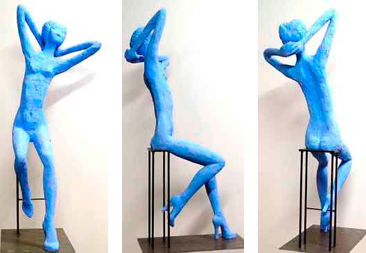 Carolina, 2011 / 120 cm / Cemento especial pintado con pigmento azul