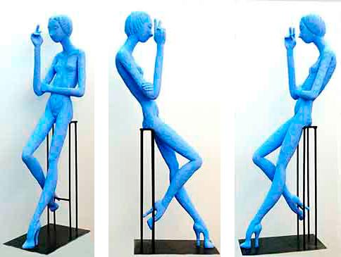 Sigilo, 2011 / 123 cm / Cemento especial pintado con pigmento azul