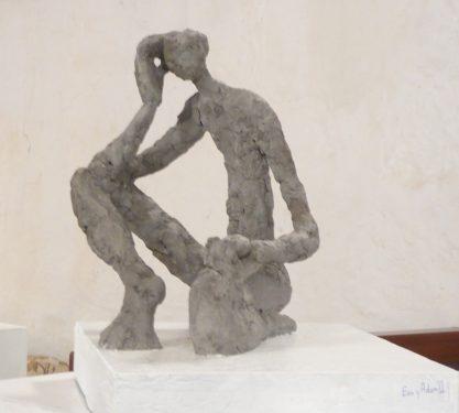 Adán. 2015 / cemento Isotrópico. 30 x 26 x 26 cm. base 36 x 30 x 6 cm.